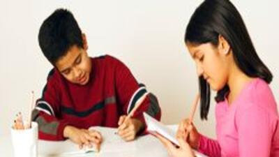 Forman grupo en Chicago para exigir un alto a la desercion escolar entre...