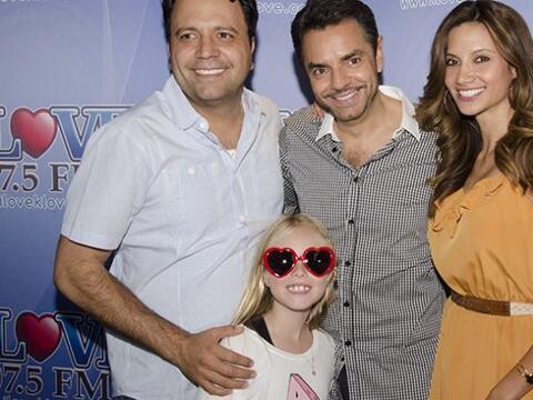 Eugenio Derbez y la pequeña Loreto Peralta visitaron a Omar y Arg...