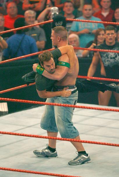 Ha sido monarca Mundial de Parejas junto a Shawn Michaels y a Batista. A...
