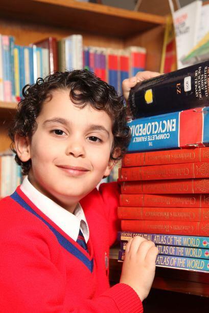 Conoce a Sherwyn Sarabi, un niño británico de cuatro años de edad, con u...