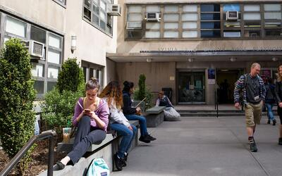 ¿Qué tan bueno es que Nueva York otorgue educación gratuita a jóvenes un...
