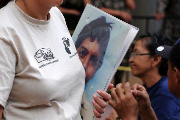 Con la esperanza de tener noticias de sus hijos desaparecidos, una carav...
