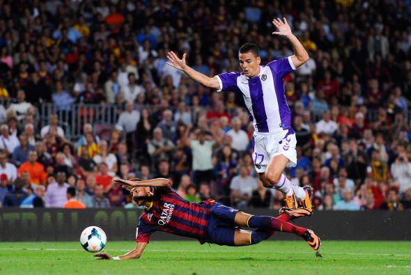 Barcelona pidió penalti ene sta caída de Neymar.