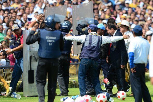 Antes de terminar el Apertura 2012 Pumas ya había tenido tres ent...