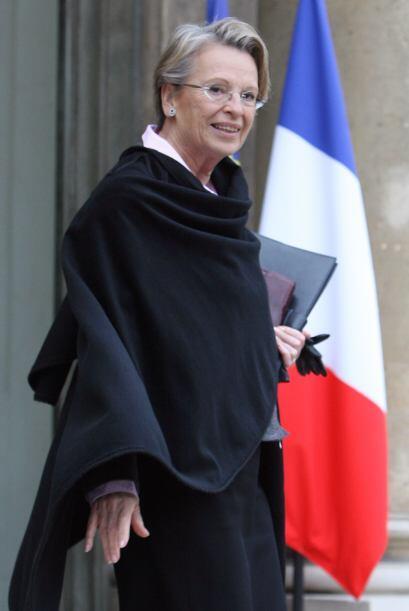 La canciller francesa Michele Alliot-Marie informó que no asistiría al f...