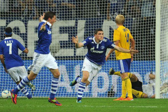 Los goles cayeron en más de una ocasión para el bando teut...