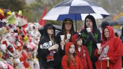 Alumnos de Marysville regresan a clases tras mortal tiroteo.