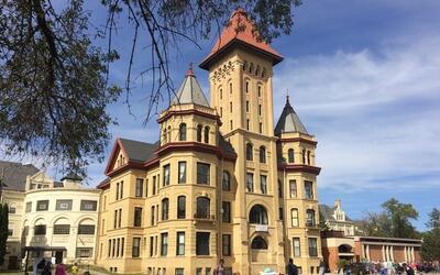 El antiguo centro psiquiátrico en Fergus Falls, Minnesota, ahora...