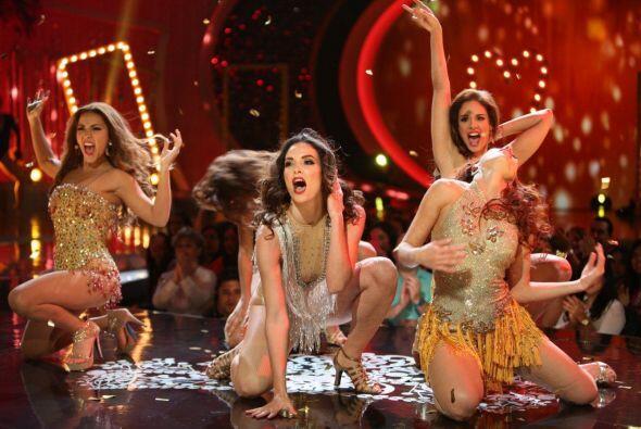 Estas bellezas tuvieron que cantar y bailar al puro estilo de Broadway.