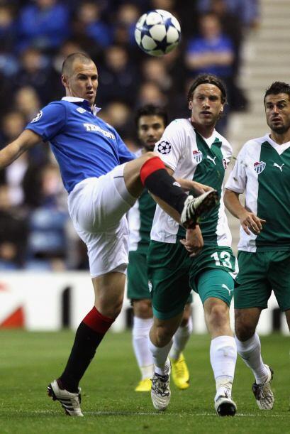 El Glasgow Rangers alcanzó a hacer valer su localía ante el Bursaspor.