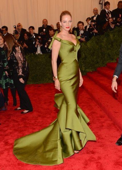 Varias son las celebridades que adoran usar sus creaciones. Claire Danes...