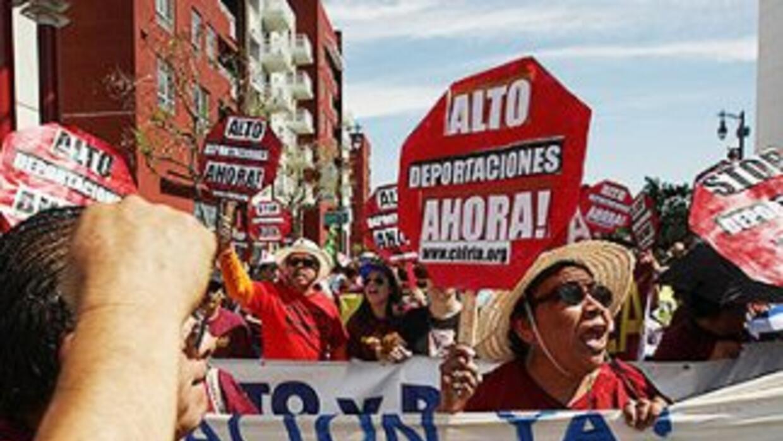 El freno a la revisión de la política de deportaciones deja a miles de i...