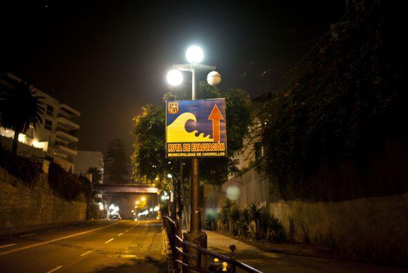 Las alarmas sonaron también en el vecino Perú, donde varia...