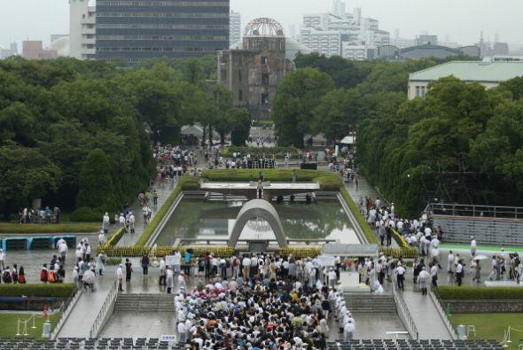 El acto tuvo lugar en el Parque de la Paz de Hiroshima, ubicado cerca de...