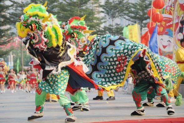 """8 """" El año nuevo lunar en la televisión china   La tradicional gala de l..."""