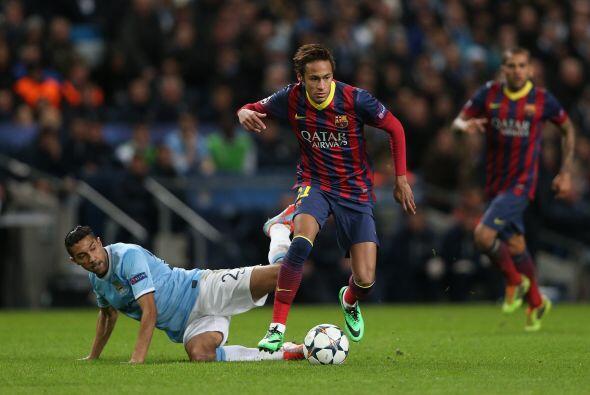 Neymar, que comenzó en el banco entró a jugar y a crear más sosobra en l...