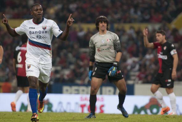 Sin embargo Narciso Mina se apareció en el Jalisco y, con su gol le dio...