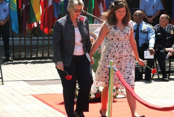 La primera en hacerlo fue la alcaldesa Annise Parker, invitada por una d...