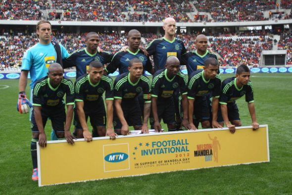 Se enfrentó al Ajax Cape Town.