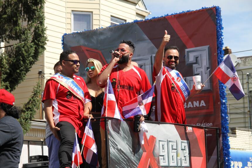 Celebra La X en el Desfile Dominicano en NJ IMG_1813.JPG