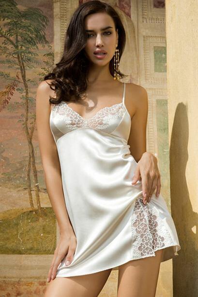 Un bonito conjunto satinado te ayudará a sumar elegancia y atención a tu...