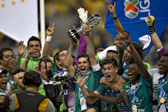 Con el regreso a primera división vino el apoyo del empresario Carlos Sl...