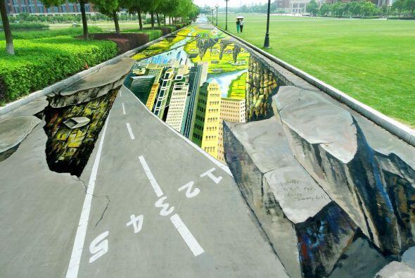 La pintura fue creada en honor de los próximos juegos olímpicos de la ju...
