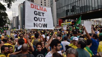 Grandes protestas en Brasil contra Rousseff