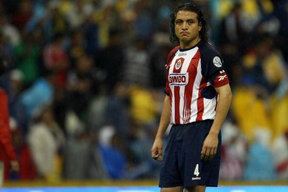 Héctor Reynoso, el defensor mexicano se hizo famoso por jugar muy...
