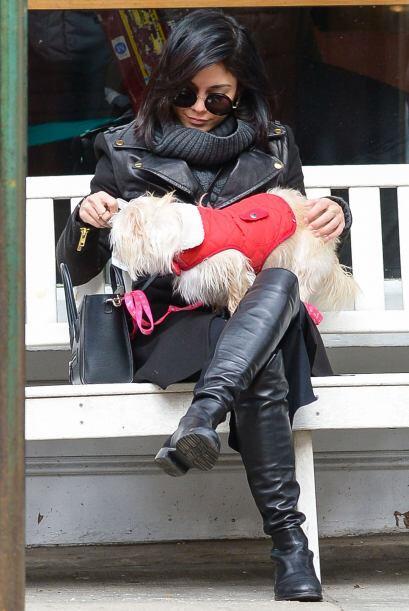 ¡Con un chaleco rojo estaba abrigada!