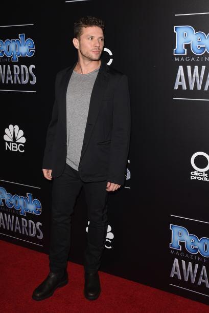 Qué guapo es Ryan Phillippe. Su look no era de los mejores, pero...
