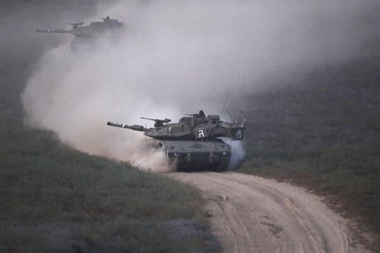 Presuntamente a manos de soldados israelíes quienes además...