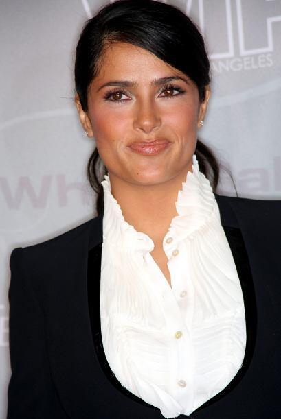 Salma Hayek impone sola por sí misma, pero la cosa se pone más lujosa cu...