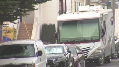 La alcaldesa de San Francisco explora una solución para el problema ocasionado por cientos de casas rodantes estacionadas en las calles