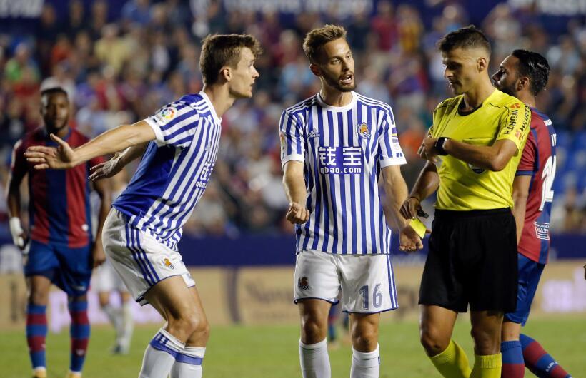 Real Sociedad y Carlos Vela fueron goleados por el Levante 6364163525317...