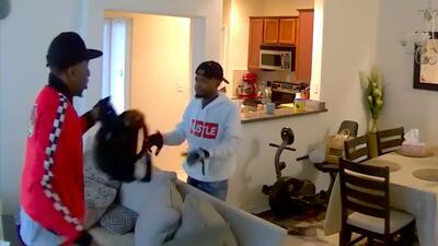 Los buscan como sospechosos de varios robos a apartamentos en el norte de Houston