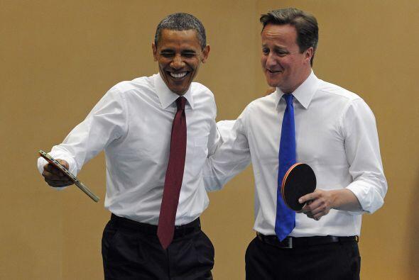 Ambos líderes se divirtieron y se direron a carcajadas de los errores de...
