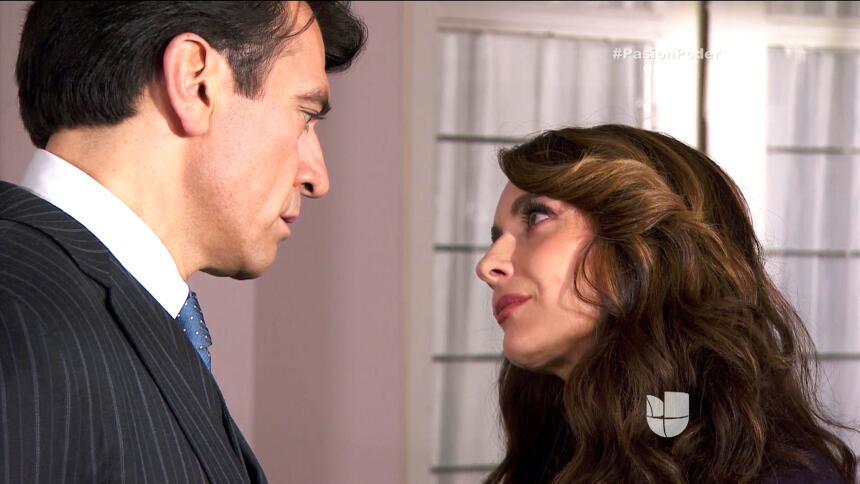 ¡Julia le confesó su secreto a Arturo! E485B63620B74857BB24E71A4A63BF5C.jpg