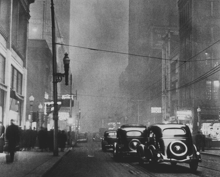 """""""Calle con humo"""". 1940."""