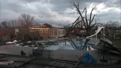 Famosos en las garras del crimen limestone-tornado.png