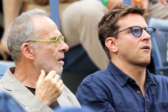 Los actores Bradley Cooper y Ron Rifkin también se dejaron ver en este G...