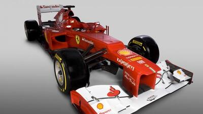 Ferrari presentó el nuevo vehículo con el que competirá en la temporada...