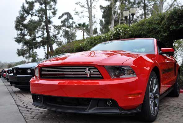 Gracias al rendimiento, este 'muscle car' fue certificado por la EPA com...