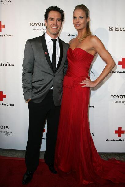 Mark-Paul encontró el amor con la modelo Lisa Ann Russell. Mira aquí más...