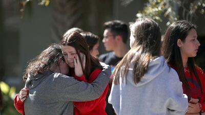 Tiroteo en una secundaria al norte de Miami deja al menos 17 muertos (fotos)
