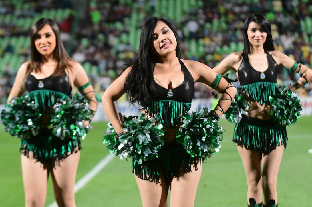 En fotos: El intenso juego y la fiesta en el triunfo de Santos sobre Amé...