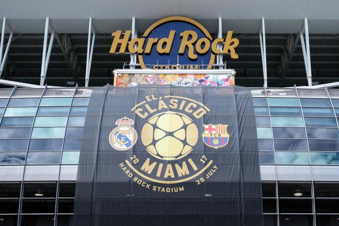 Buen ambiente en el Hard Rock Stadium para vivir el Clásico  GettyImages...