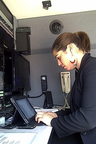 A Érika le acompañó  la productora ejecutiva, María de Lourdes García, a...