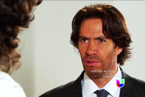 No le hagas caso a Juan, él sólo quiere usarte en su venganza.