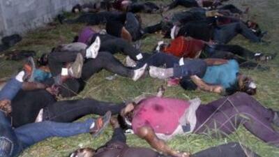 Las autoridades ya han identificado a 31 de los 72 inmigrantes asesinado...